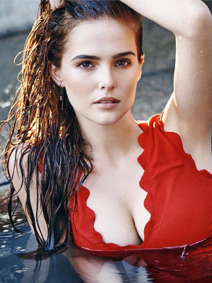 Zoey Deutch cicit villant