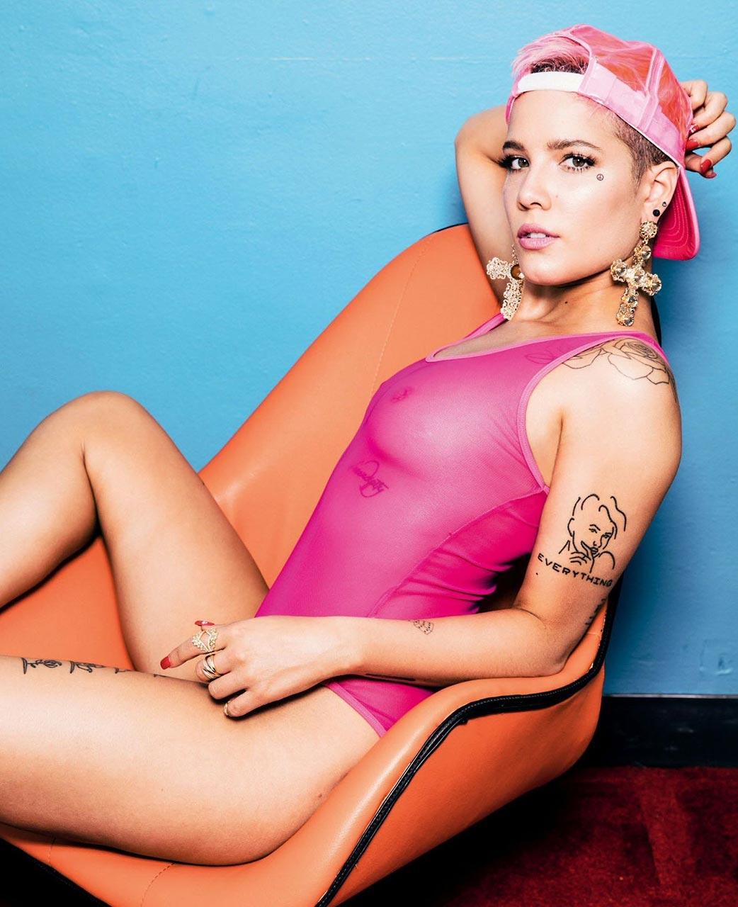 Halsey, amerikai énekesnő szexi fotói