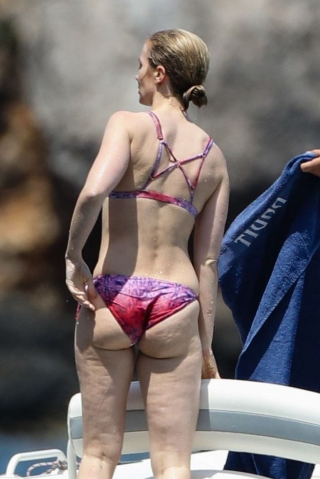 emily-blunt-topless-2
