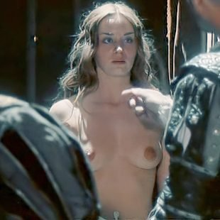emily-blunt-topless-4