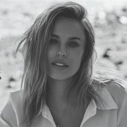 Sonya Blade Jessica McNamee-szexi1