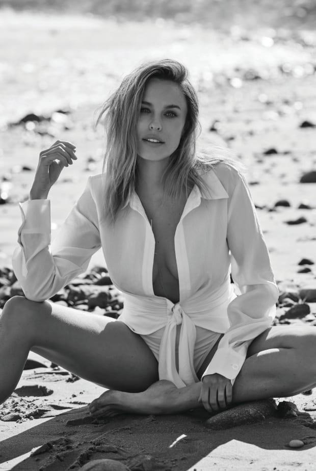 Jessica McNamee-szexi7