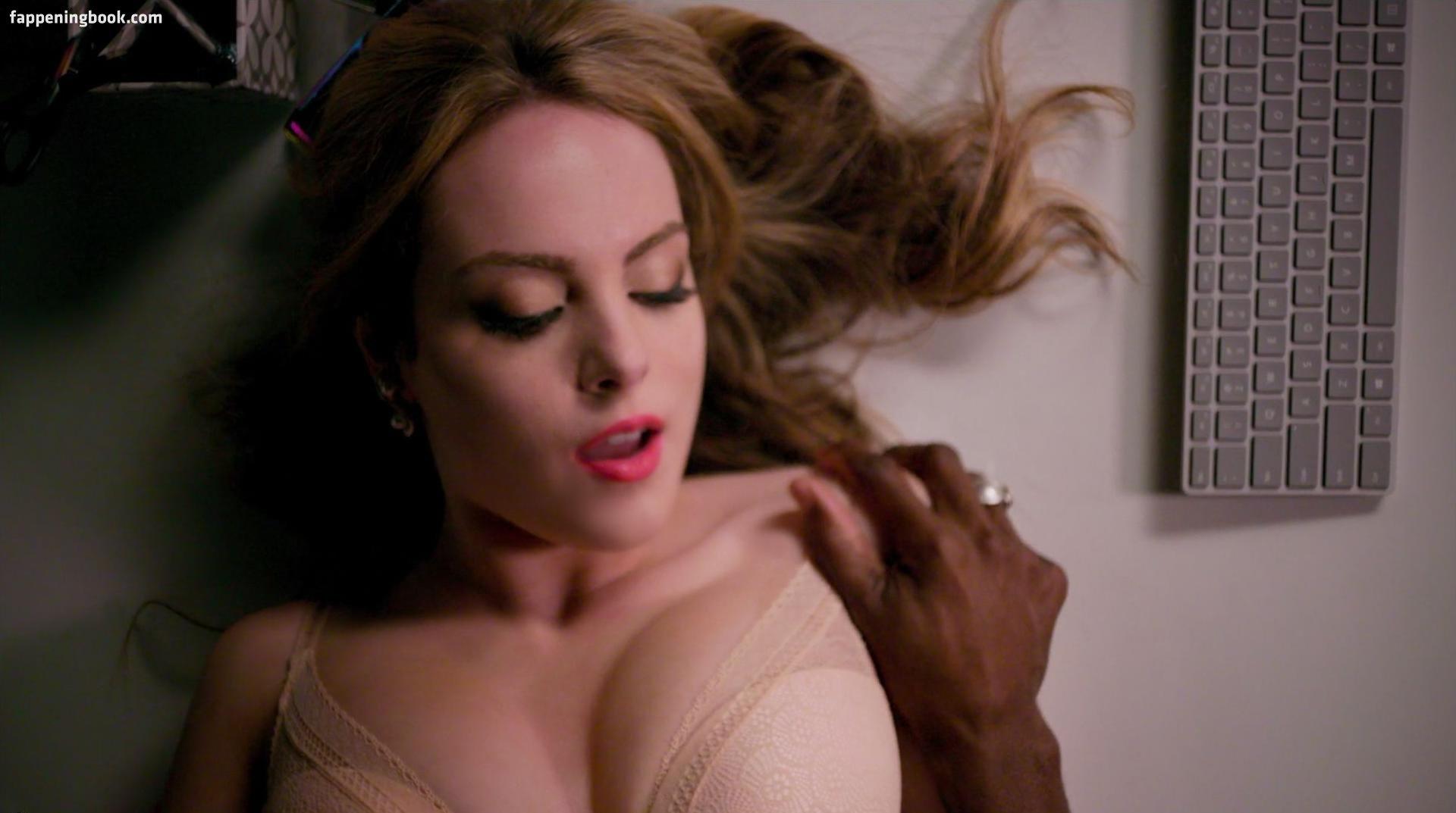 Elizabeth Gillies-szexi-2